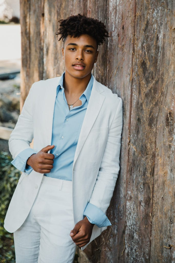 San Diego Senior Photographer, young man in white sport coat and blue button up shirt